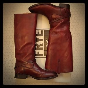 BARELY WORN Frye Lindsay Plate Boots